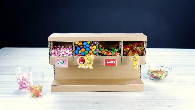 DIY tuto facile pour faire un distributeur à bonbons en carton