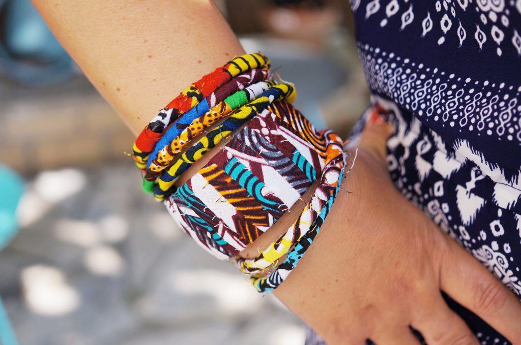 bracelet wax DIY